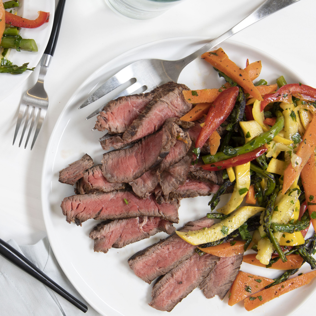 Garlic-Herb Skirt Steak and Vegetables